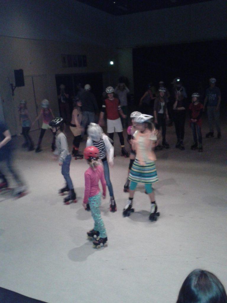 supergaaf @radboudskating op de disco rolschaatsen @skatedance dec 2013