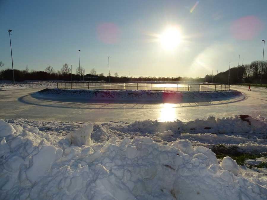 Prachtig weer op de ijsbaan bij de Sjoerd Huisman Piste.