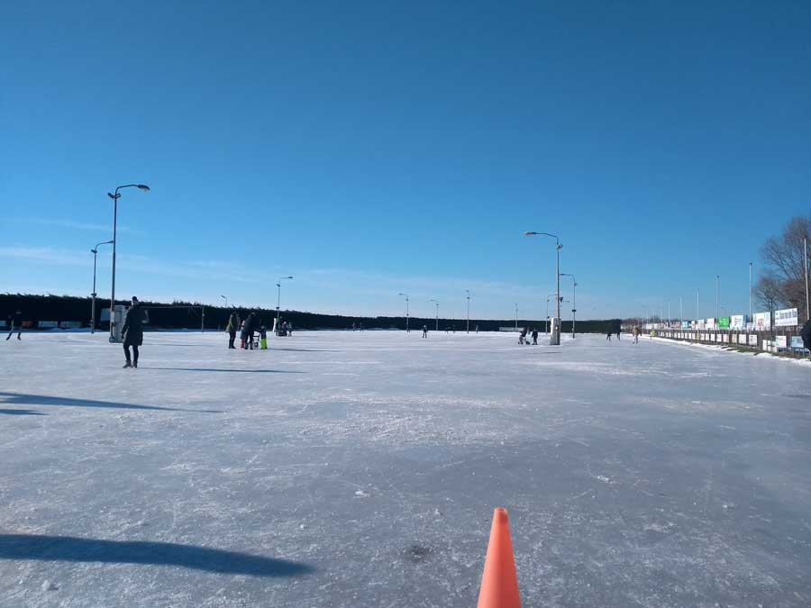 Niet druk op de ijsbaan in Medemblik op de zaterdag